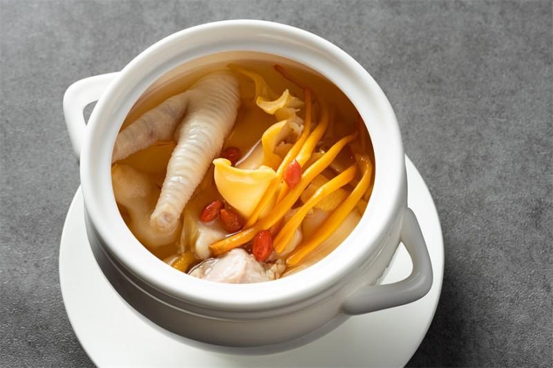 虫草花炖响螺汤 Double-boiled Sea Whelk with Cordyceps Flower